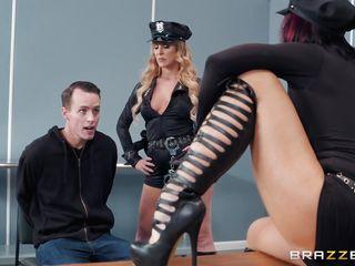 Секретарша в чулках порно скачать