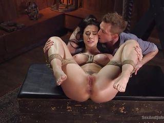 Порно бдсм щекотка