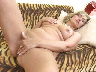 Порно со зрелой блондинкой смотреть